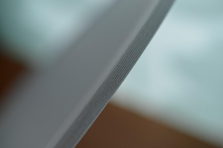三角レフ板の枠の質感