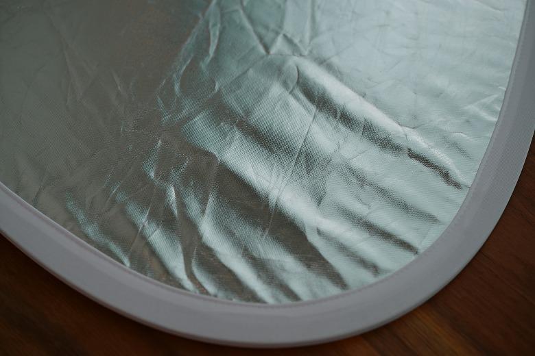 三角レフ板の銀面の質感