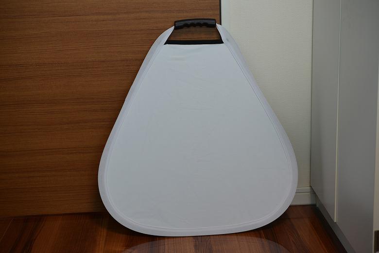三角レフ板の白面